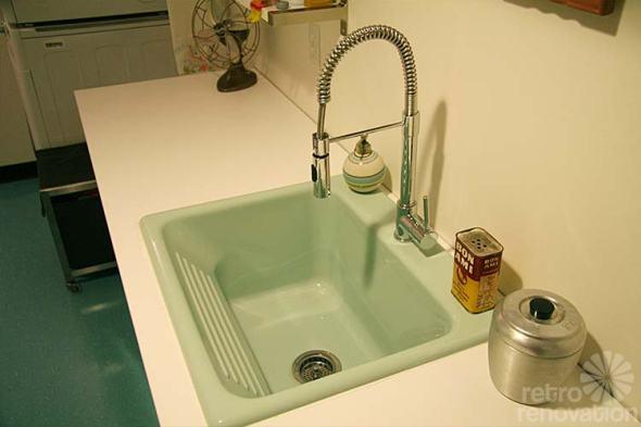 aqua-vintag-laundry-sink1