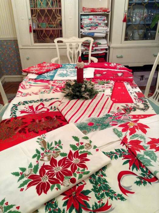 christmastablecloths