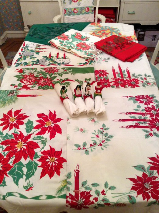 morechristmastablecloths