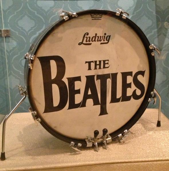 Ooooh! Ringo played this drum! SCREAM!!!