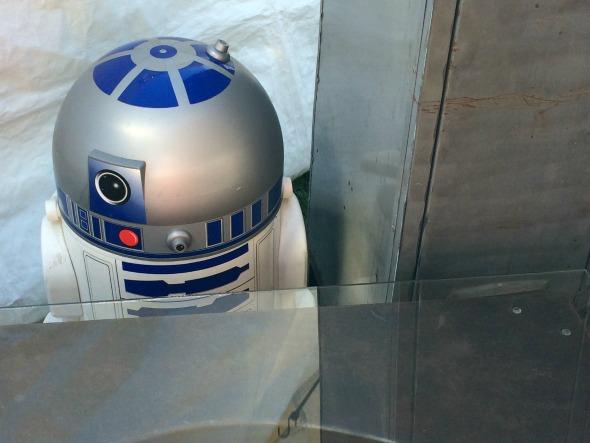 R2D2 droid