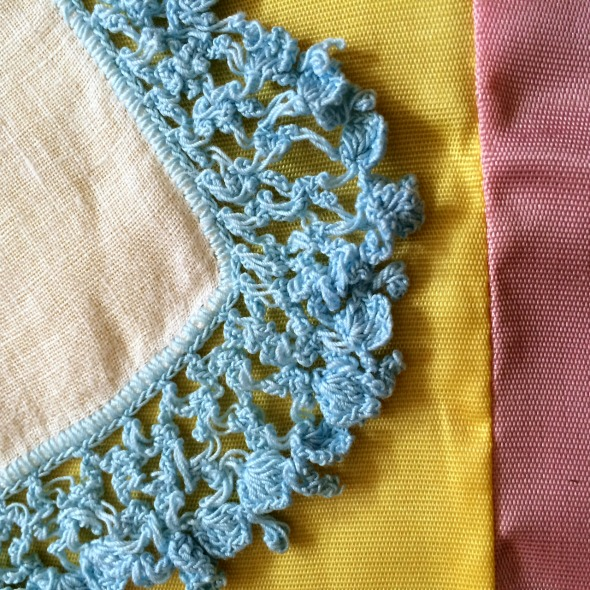 ruffled crochet hanky edge