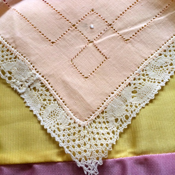 peachy linen hanky with bobbin lace