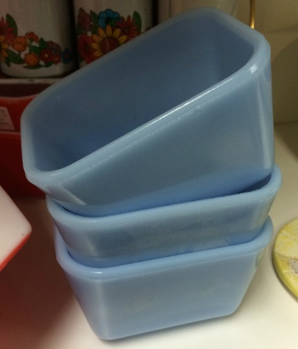 canadian blue pyrex