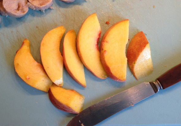 Ripe or just-barely-ripe peaches are best. Underripe fruit won't taste so great, and overripe fruit will turn to mush.