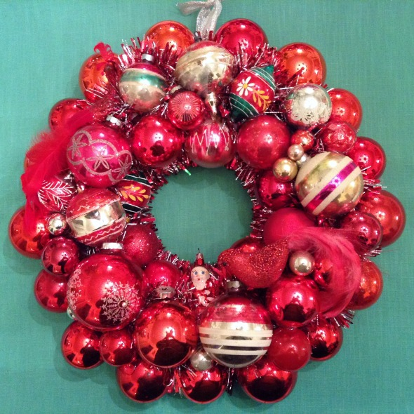 red vintage ornament wreath with birds